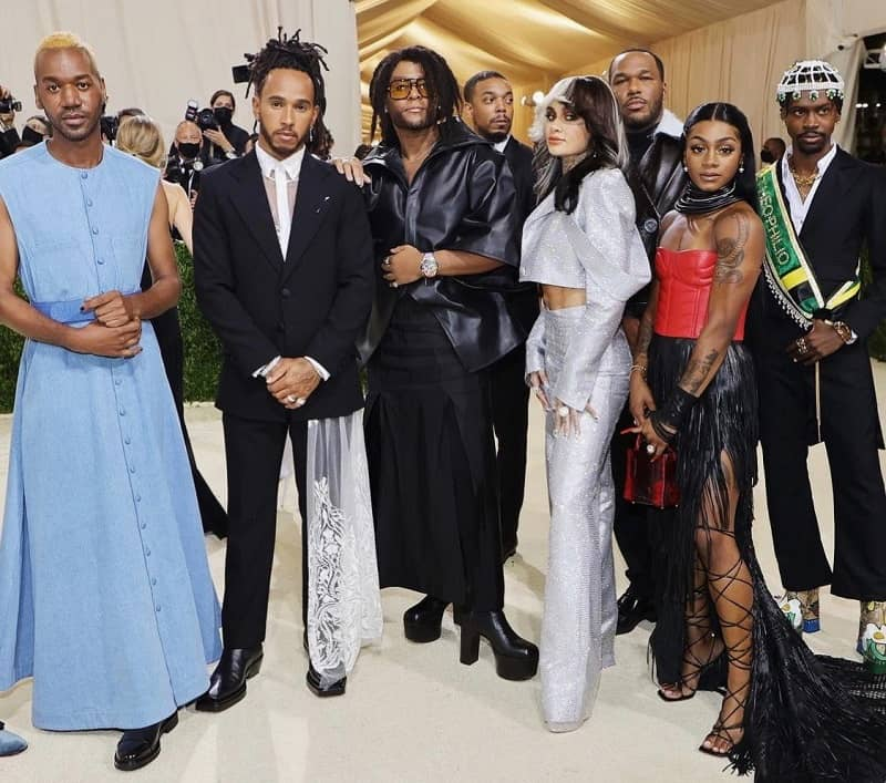 VIP Crossin - Kenneth Nicholson,Theophilio et Jason Rembert en compagnie de Lewis Hamilton lors du Met Gala