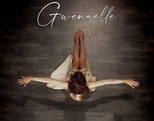 Avec la chanteuse Gwenaëlle, partons « De l'autre côté de la terre »