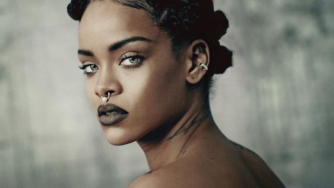 Rihanna  - VIP Crossing
