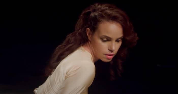 """VIP Crossin - """"De l'autre coté de la Terre"""" , le nouveau clip avec Gwenaëlle Piffarelly disponible"""